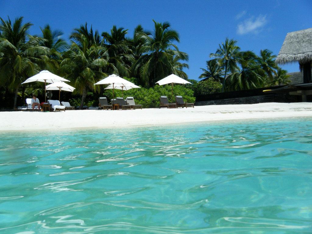 Reethi Rah - Best Beaches in Maldives - Coffee Meets Beach